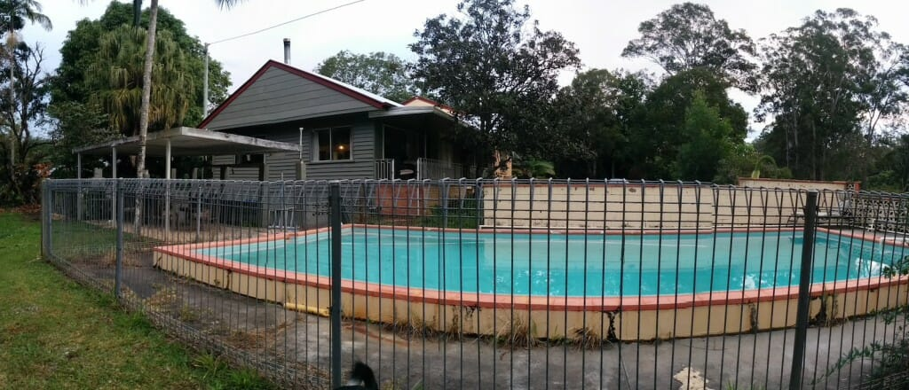 Havilah House Swimming Pool 01