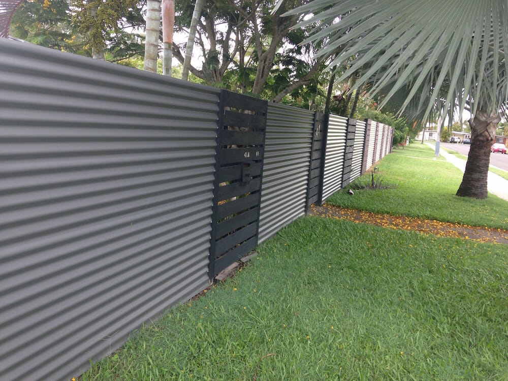 corrugated metal fence 02